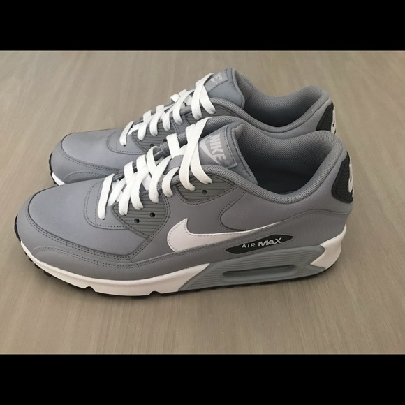 cheap for discount e9de7 6dd47 Nike Air Max 90 ‼️Read Description ‼ . M 5bc0c3e2d365be23fe110cf6